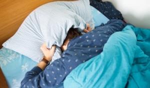 head under pillow